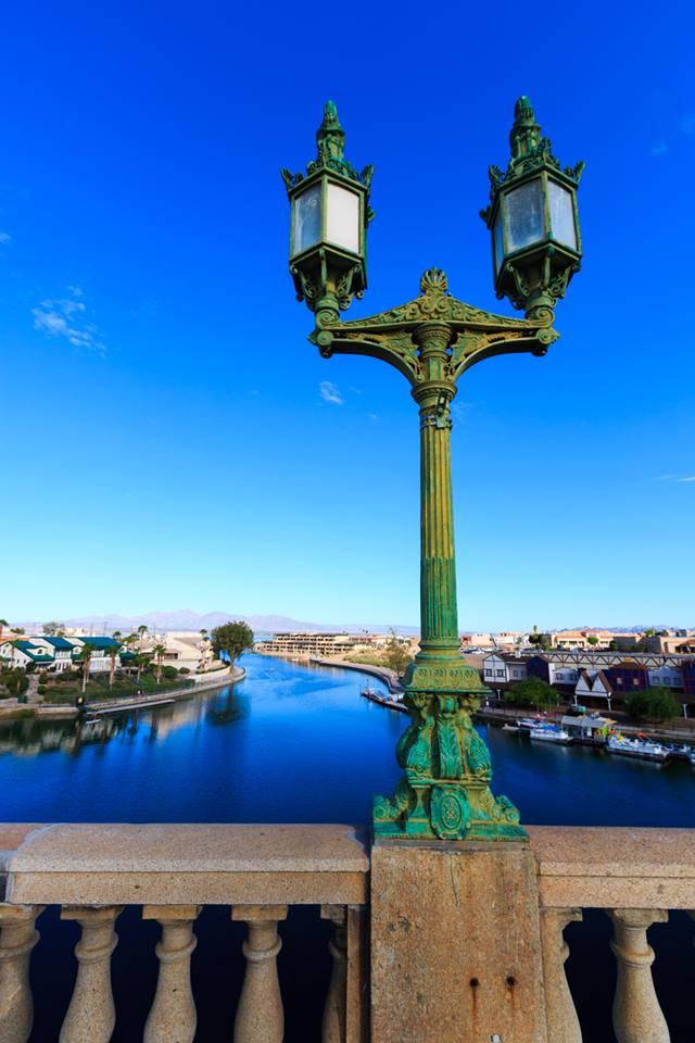london bridge lamppost